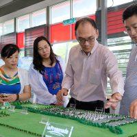 La Promenade As Benchmark For Chinese Delegates