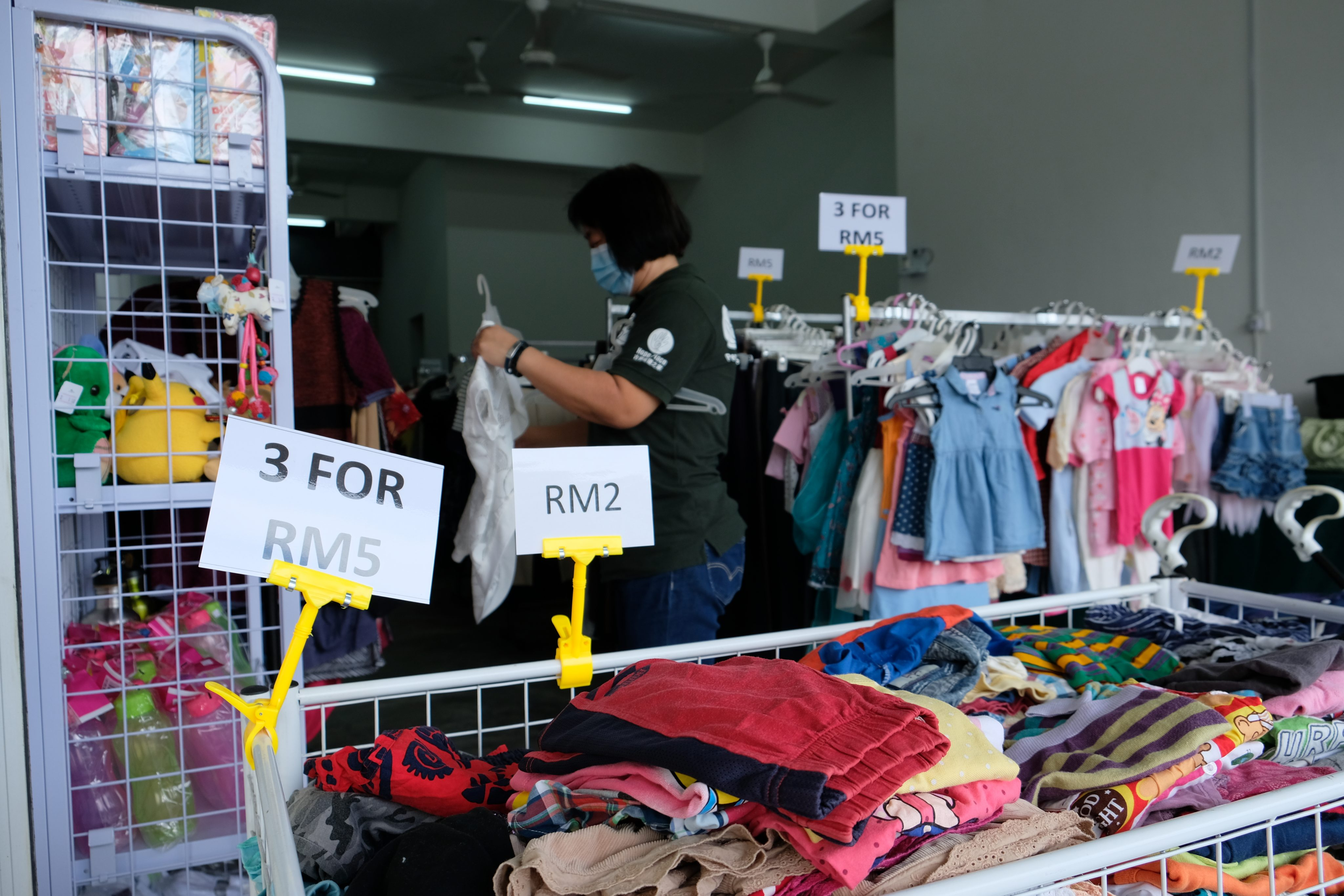 The majority of items are priced RM2-10. Hope Place intends to sell more household appliances at this  second Kedai Bajet.